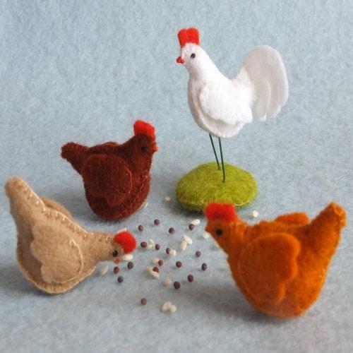 Drie kippen en een haan - Atelier Pippilotta